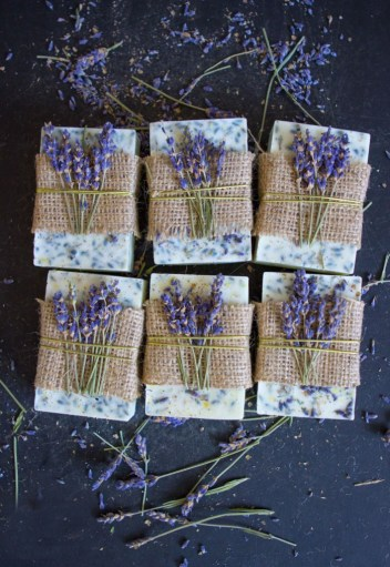 Lavender Honey Soap Bars | Homemade Soap Recipes @ xokatierosario.com