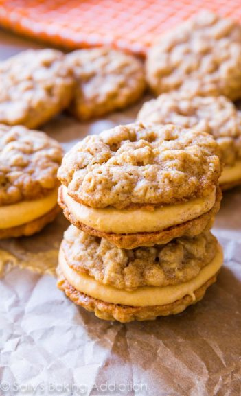 Oatmeal Pumpkin Creme Pies | Fall Cookie Recipes