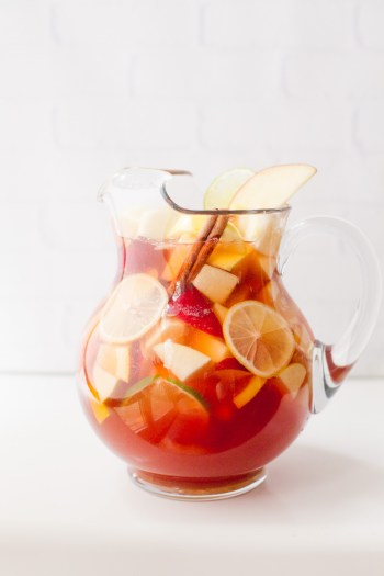 Autumn Apple Rose Sangria | Fall Sangria Cocktails