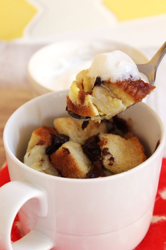 5 Minute Bread Pudding Mug Dessert | 10 Mug Desserts You Can Make In The Microwave