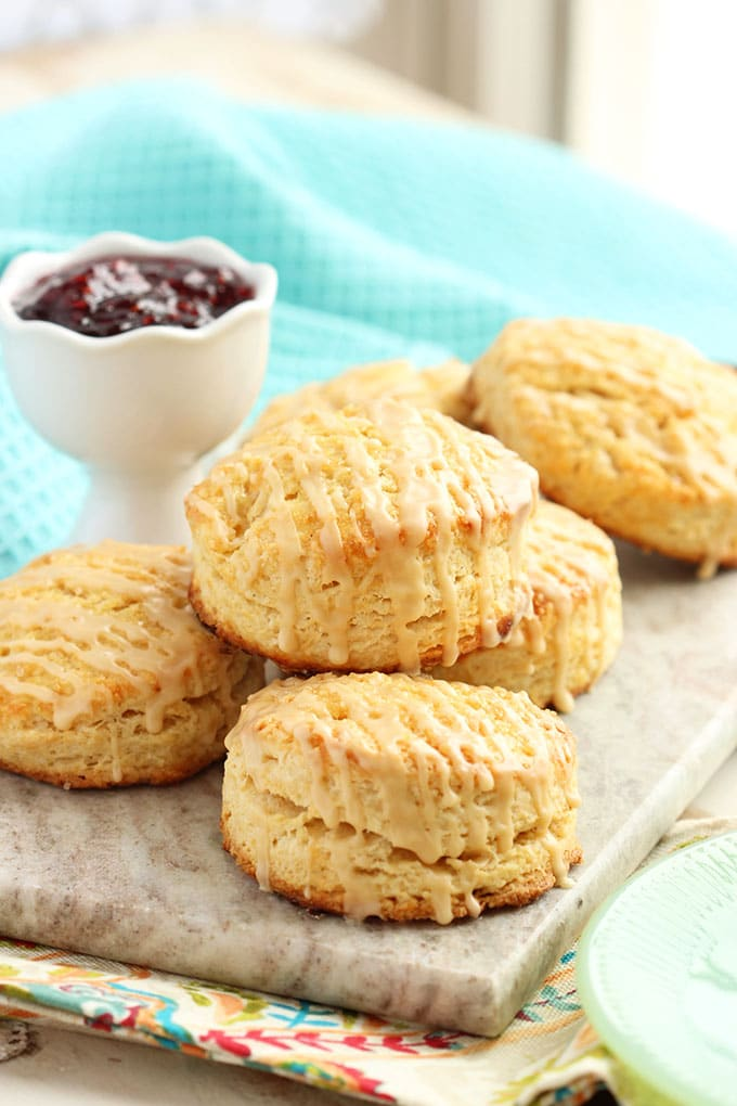 Bailey's Irish Cream Scones | Scones are little nuggets of golden brown goodness known for accompanying your afternoon tea. You can choose different flavor combinations like Dark Chocolate Cherry, Gruyere & Procuitto, and Maple Bacon. Here are some basic tips before baking scones to guarantee you get perfect scones every time. How to Make Sweet & Savory Scones Perfect Every Time! #xokatierosario #easysconerecipes #homemadescones #sweetscones