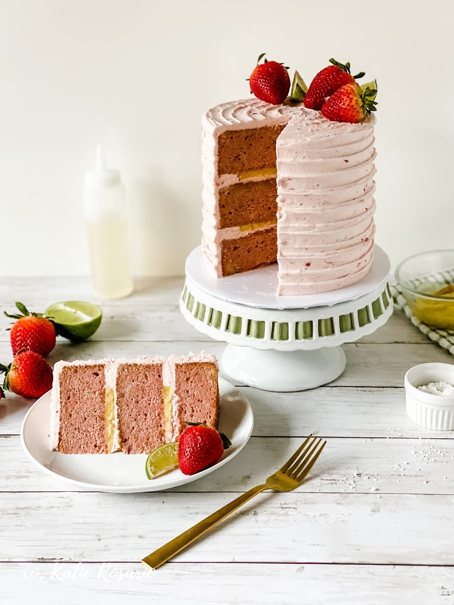 This post will show you how to take a well-known cocktail or liqueur and transform it into a delicious cake. These boozy cakes are drool-worthy and perfect for any celebration! You can choose from cakes like Tequila Lime Margarita Cake, Raspberry Champagne Cake, Irish Cream Cake, or Red Wine Sangria Cake. The Best Ever Boozy Cakes that Are Drool-Worthy with XOKatieRosario.com #xokatierosario #katierosariocakes #cocktailcakes #boozycakes #cakedecoratingtips