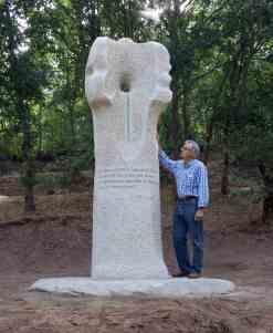 """""""Nimbos de Luz"""" Escultura homenaxe a Xosé María Díaz Castro. Ínsua dos poetas (Madarnás). O Carballiño. 2011_3"""