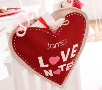 heart-shaped-love-notes-chairbacker-o