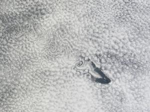 20121130XD-NASA-cloud_vortices