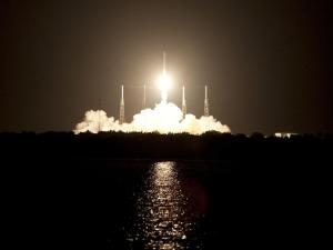 20121007XD-NASA-Spacex2_launch