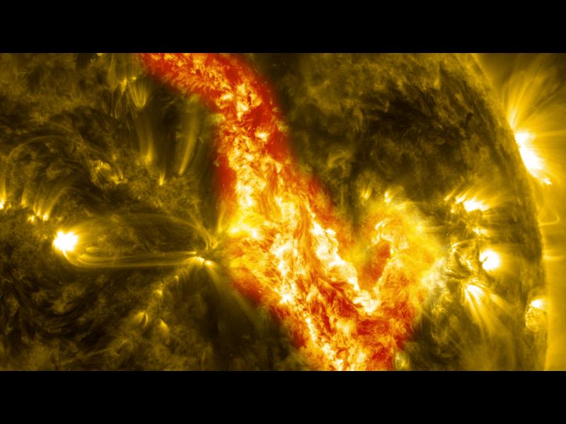 20131102XD-NASA-SolarFilemnt