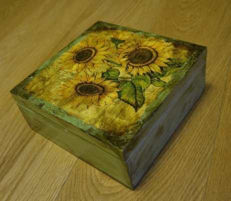 Ładne słoneczniki, postarzone w narożnikach
