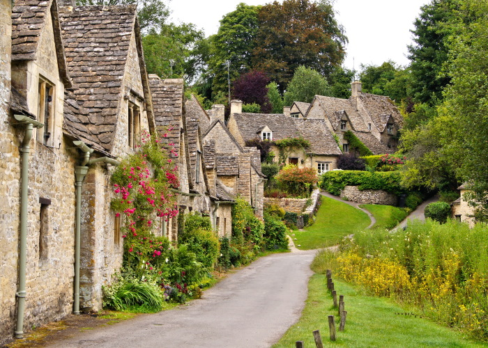 Taxi journey for customers from Tewkesbury to Bibury