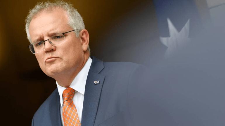 美双航母南海横冲直撞,炫耀霸权,专家:中国海军手握一重大优势