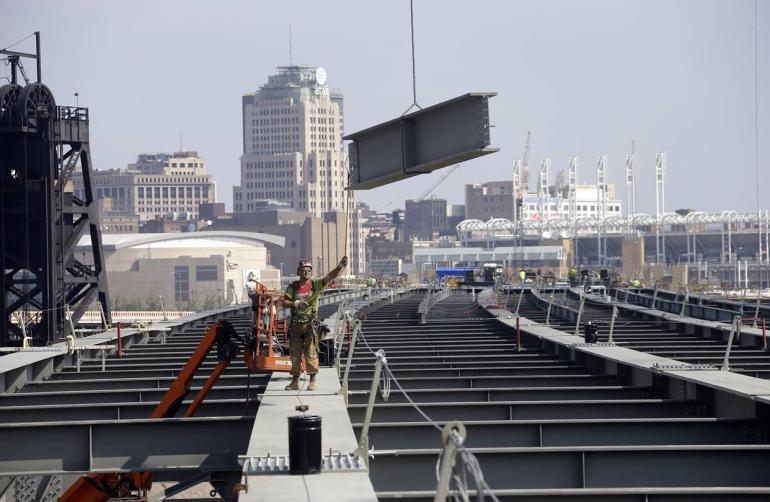 俄大军开向乌克兰边境,战争一触即发?美国:正在与俄方沟通