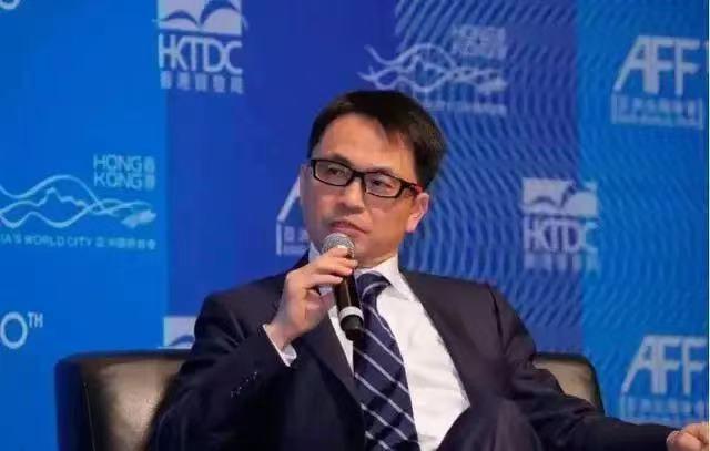 对抗中国,英国要做头铁,航母再闯南海,若挑衅,解放军不会手软