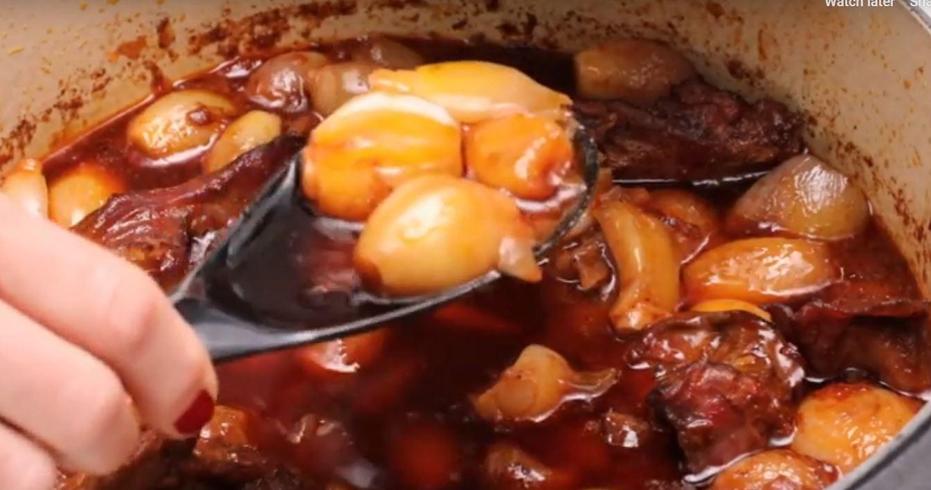 Κουνέλι στιφάδο από τα γιάννενα συνταγή