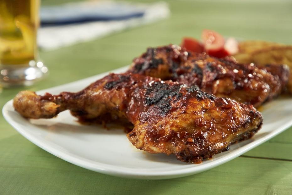 Μπουτάκια κοτόπουλου σε χειροποίητη σάλτσα barbeque