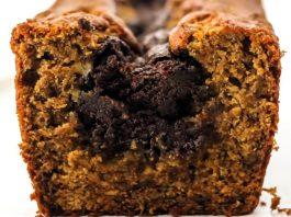 Κέικ με μαύρη Σοκολάτα στο κέντρο