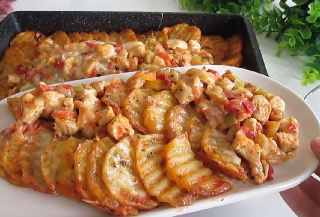 Πατάτες στο φούρνο με γέμιση κοτόπουλου