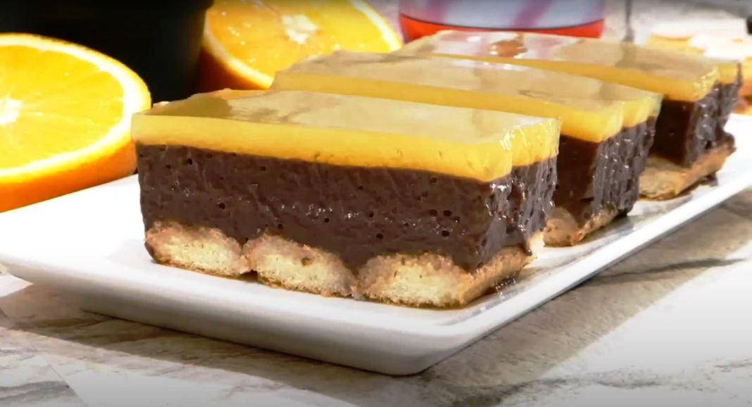 γλυκό με κρέμα μπανάνας και ζελέ πορτοκαλιού