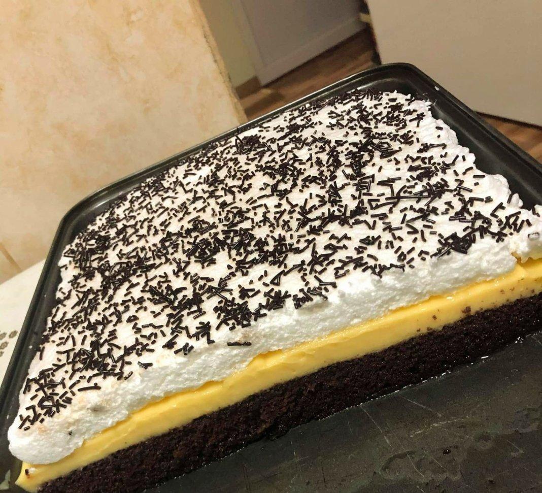 Κέικ με κρέμα βανίλιας