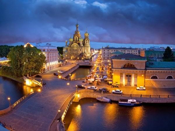 Kemikler Üzerine İnşa Edilmiş Şehir ST. Petersburg
