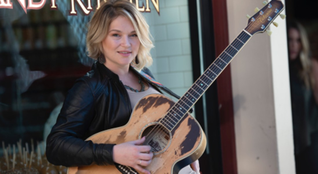 American Idol Singer, Crystal Bowersox, Helps Raise Awareness About Diabetes with Eli Lilly