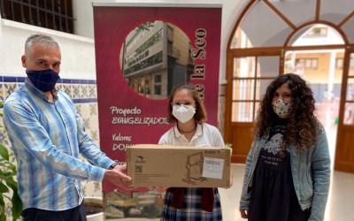 Rocío Sanchis rep el premi pel Projecte Momo d'innovació educativa de la CV
