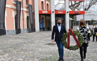 Xàtiva recorda a les víctimes del bombardeig de l'estació de 1939