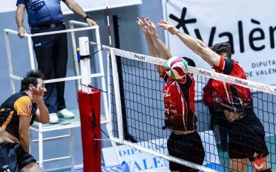 Gran victòria del Familycash Xàtiva voleibol masculí en la pista del Cevol de Torredembarra