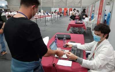 Comença la vacunació massiva del personal dels centres educatius del DSXO
