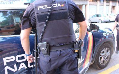La Policia Nacional deté a un home que va amenaçar i va intentar acoltellar a la seua parella a Xàtiva