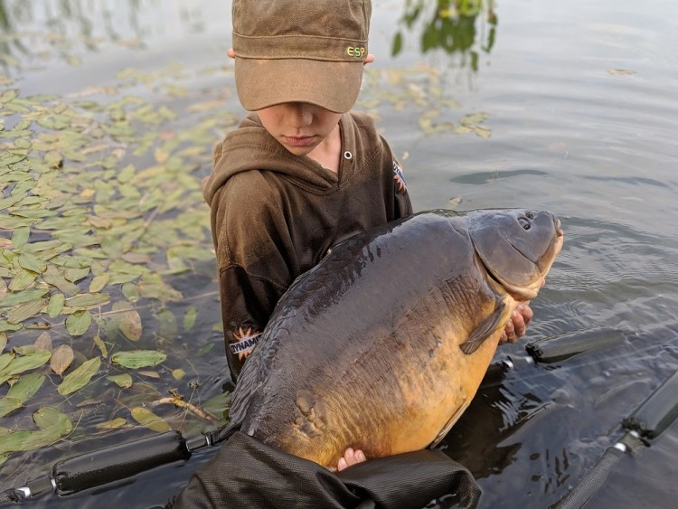 kids carp fishing