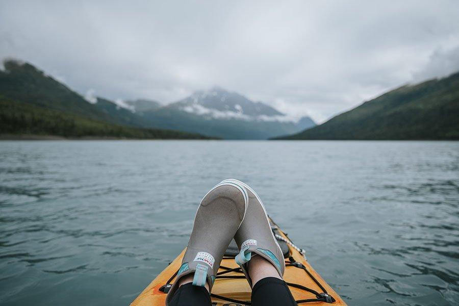 Best kayak shoes - thumb