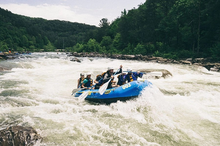 Whitewater Rafting Guide 3