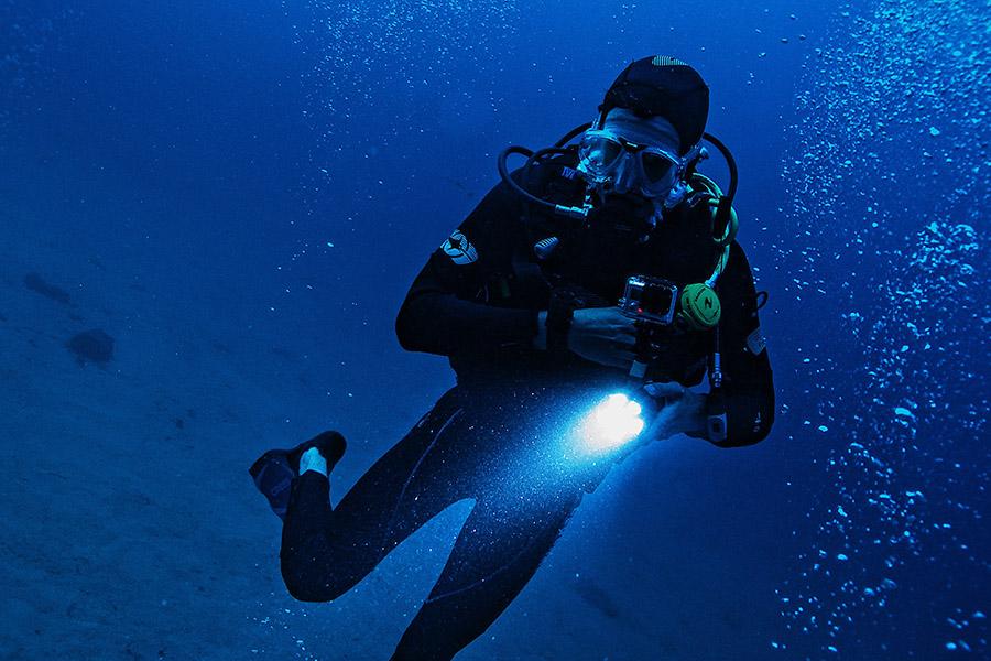 Best Dive Lights - Thumb
