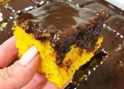 Receita de Bolo de Cenoura com cobertura de Chocolate e mel, aprenda como fazer um bolo de cenoura simples e facil com uma cobertura deliciosa de chocolate Bolo de Cenoura com cobertura de Chocolate e mel