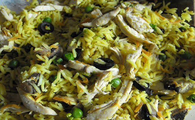 Receita de Arroz de caril com frango e legumes