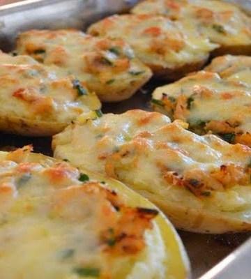 Receita de Batatas recheadas com frango gratinadas