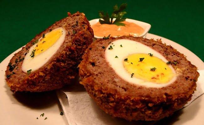 Receita de Bolovo (Scotch Eggs)