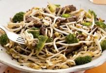 Receita de Carne com Moyashi e Brócolis