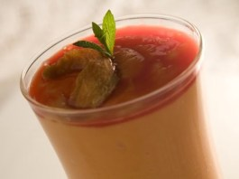 Receita de Milkshake de mamão com cassis