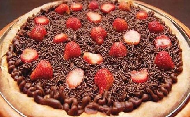 Receita de Pizza de Chocolate com Morango