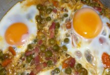 Receita de ovos escalfados com ervilhas