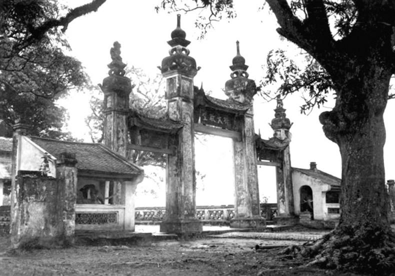 Chùa Láng (Hà Nội) được khởi dựng từ thời Lý.