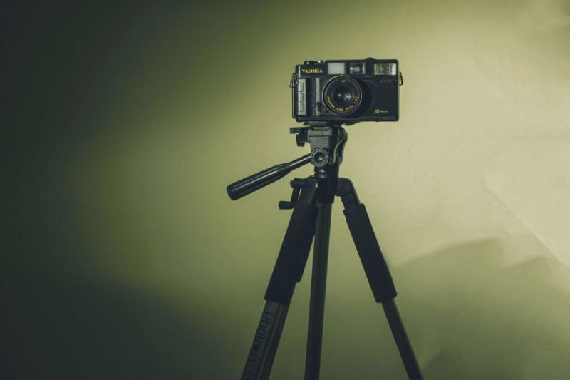 tripod-thiet-bi-quay-video-youtube