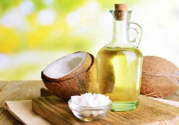 Trị bệnh chàm khô bằng phương pháp dầu dừa