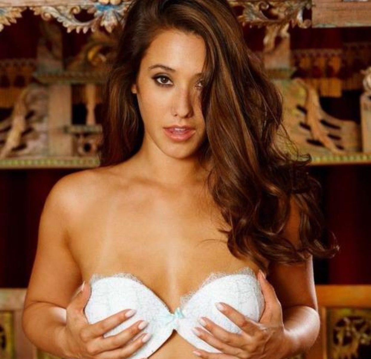 Eva Lovia Porn Star Photo