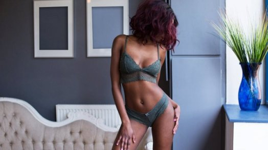 How to Choose Call Girls in Melbourne?