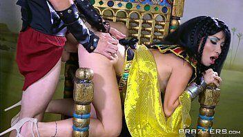 Egipicia safada fica de quatro e da gostoso para o farao sem vergonha