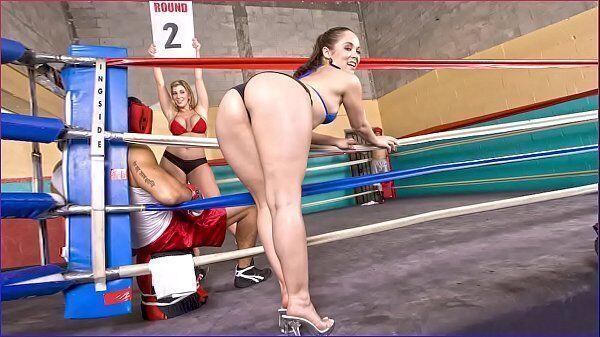 Ring girls morena safada metendo gostoso com um lutador de boxe bem dotado da porra