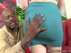 Videos porno com novinha safad fodendo e tomadno porra quente de macho roludo