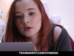 Videos desexo novinha linda ganhando pirocada na xota e gozada no cabelo